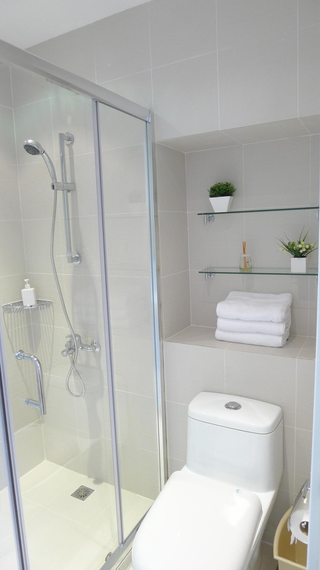 kb-35-master-bathroom